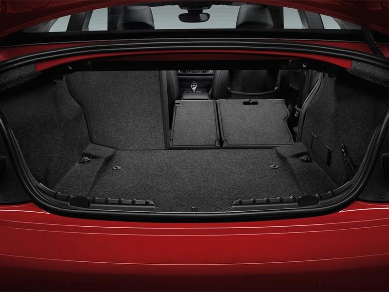 Фото багажник BMW 2 Series F22 рестайлинг