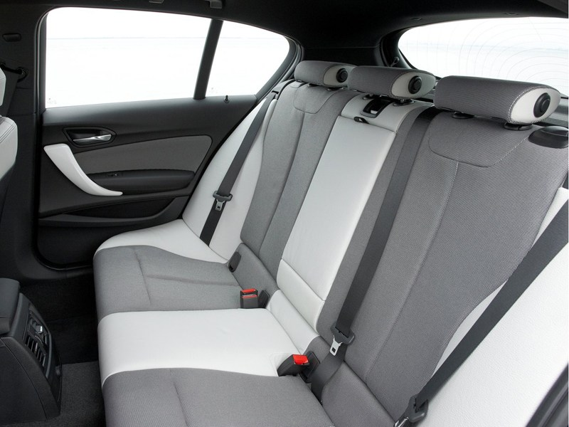 Фото салона BMW 1 series, поколение F20