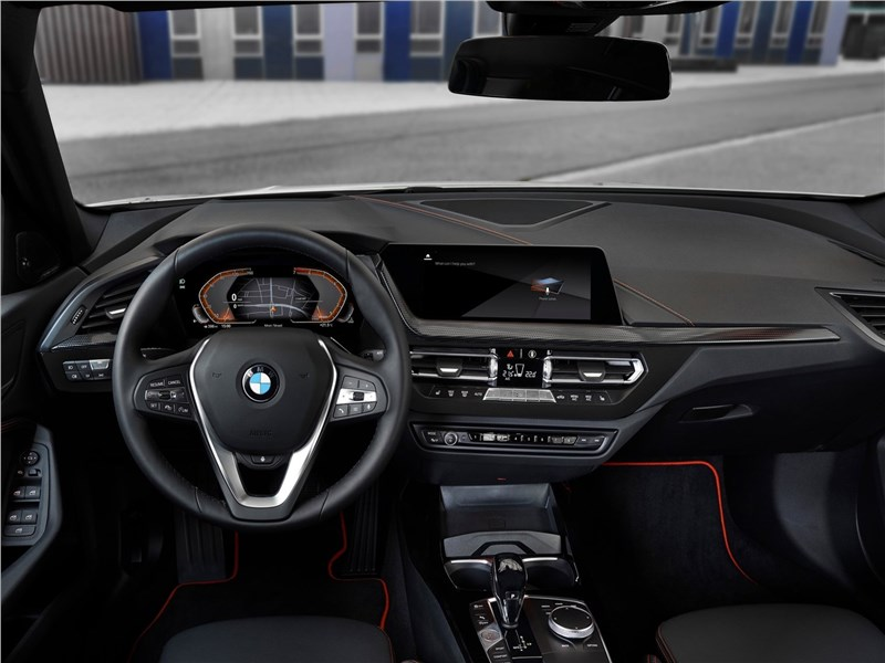 Фото салона BMW 1 series, поколение F40
