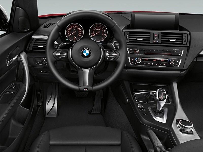 Фото салона BMW 2 Series F22 рестайлинг