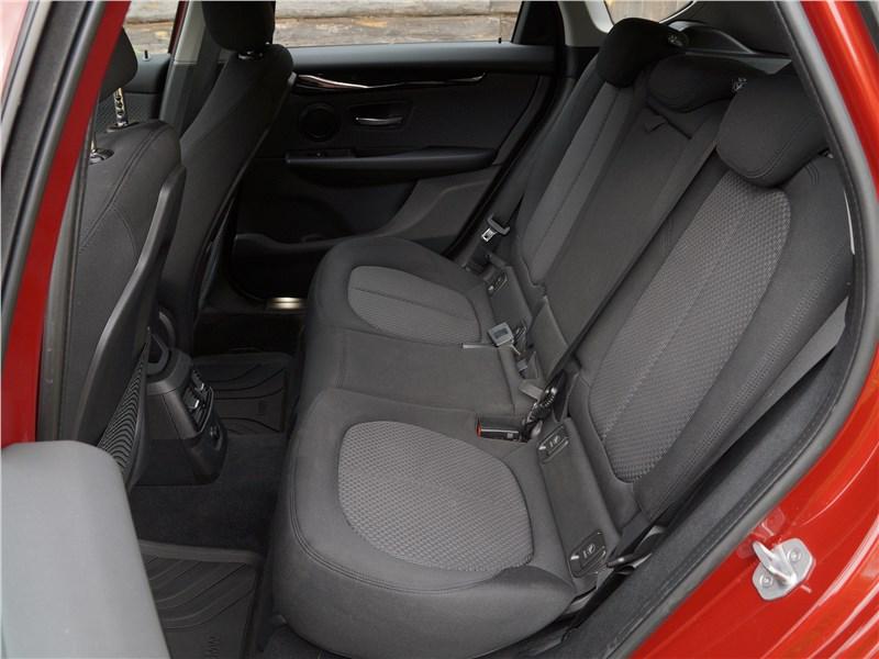 фото салона BMW 2 Series поколение F22