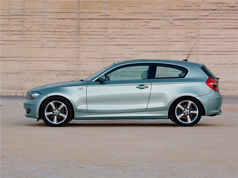 фото BMW 1 series Поколение E81, E82, E87, E88 2008 - 2011