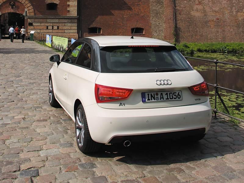 Audi A1 1 поколение