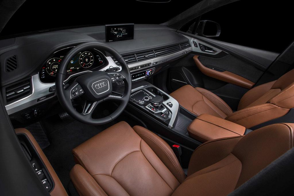 Audi Q7 2 поколние салон