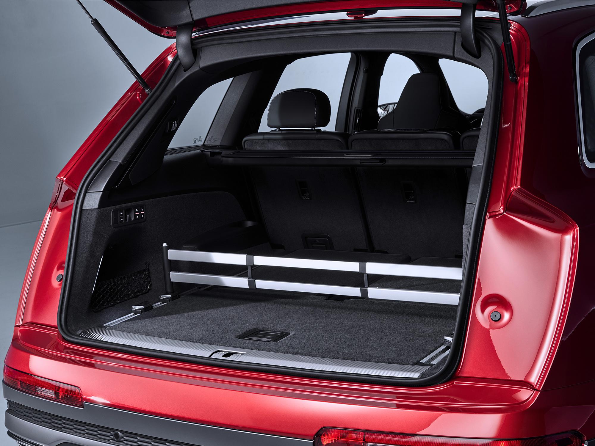 Audi Q7 3 поколение багажник