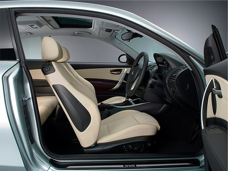 BMW 1 series Поколение E81, E82, E87, E88 2008 - 2011 салон